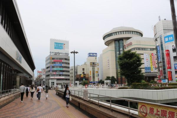 Bahnhofsvorplatz von Omiya