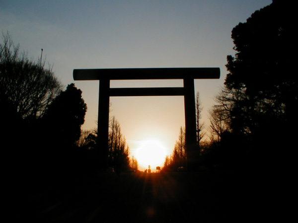 Abenddämmerung am Yasukuni-Schrein