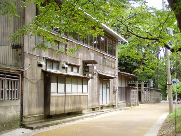 Schöne Häuser am alten Burgpark