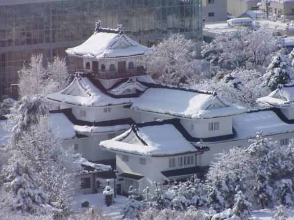 Restaurierte Reste vom Schloss Toyama