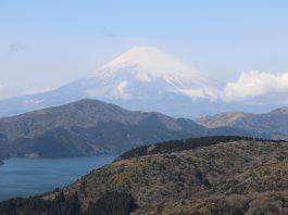 Blick über Hakone und den Ashi-no-ko auf den Fuji-san
