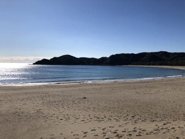 Der Yumigahama-Strand - hier menschenleer, da im Winter