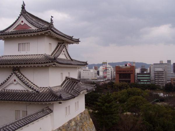 Akashi: Imposante Burgruine nebst Park