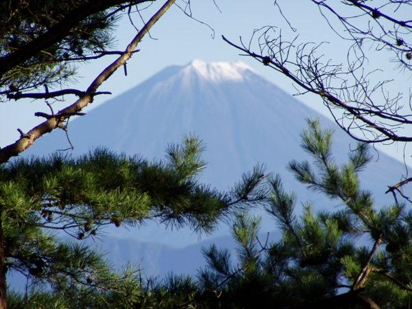 Wenn man Glück hat, kann man von hier den Fuji-san in seiner ganzen Pracht bewundern