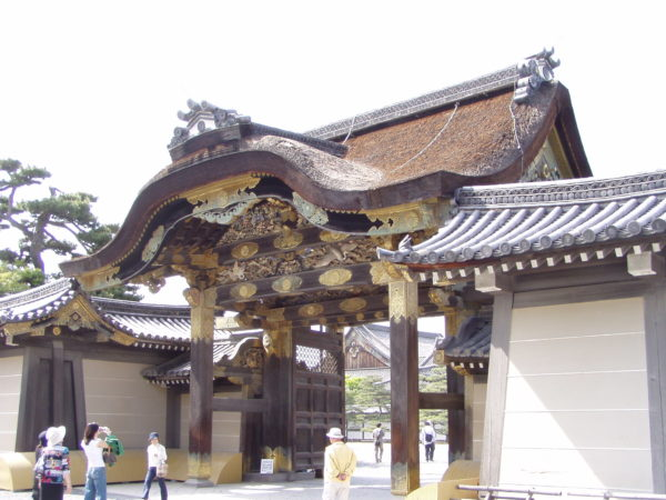 Eines der Tore im Nijo-Schloss