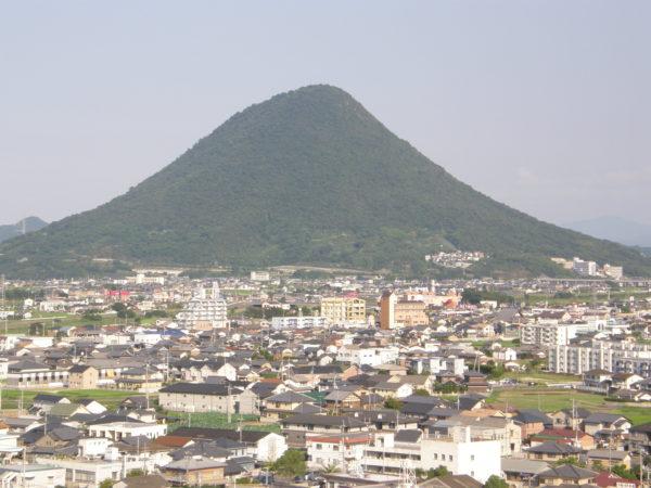 Marugame: Der Iinoyama alias Sanuki-Fuji