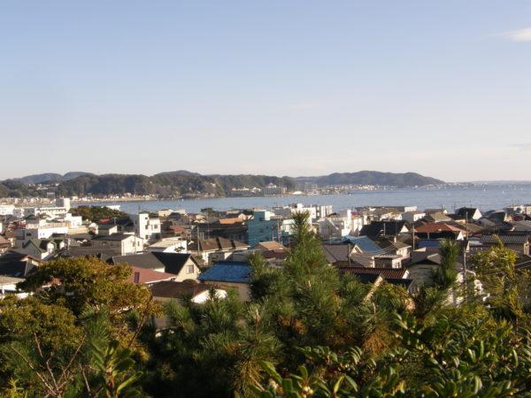 Blick Richtung Meer und Zushi