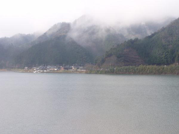 Am Yura-Fluss in der Tango-Gegend