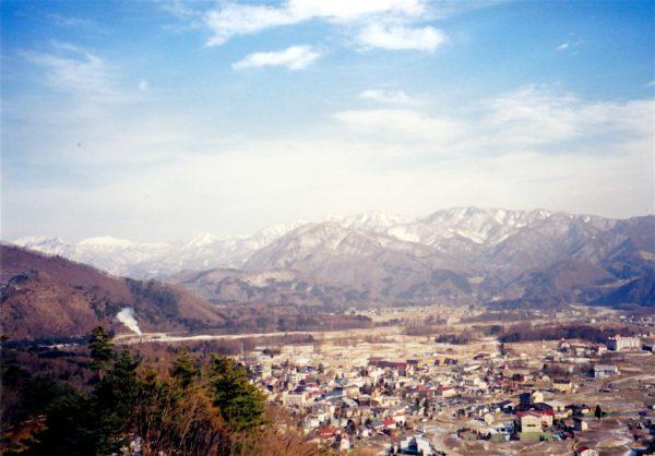 Blick über Hakuba und die angrenzenden Berge