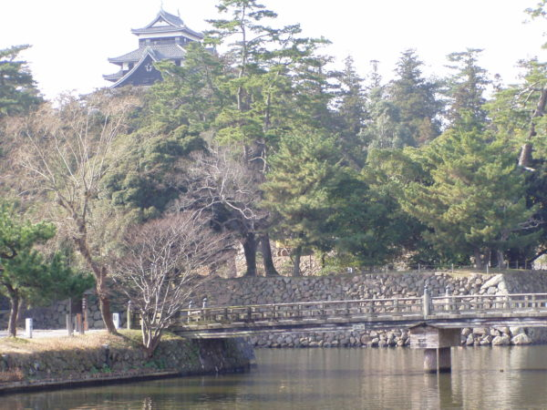 Burggraben und Schloss Matsue-jō