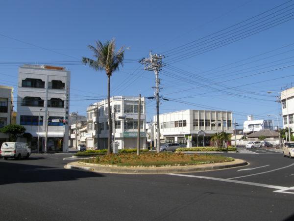 Itoman: Der Rotary (Kreisel) im Zentrum