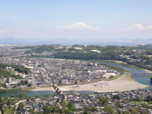 Blick von der Burg auf West-Iwakuni