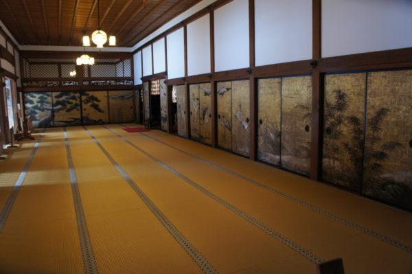 Prächtige Vorhalle im Kongōbu-ji