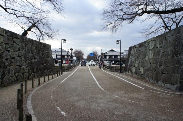 Kyōbashi - einer der Eingänge zum Schloss