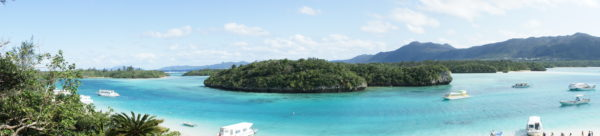 Panorama der Kabira-Bucht auf Ishigaki - nicht ohne Grund ein beliebtes Besucherziel