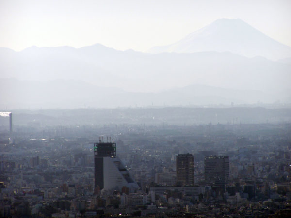 Blick auf das Zentrum von Nakano - mit dem Fuji-san im Hintergrund