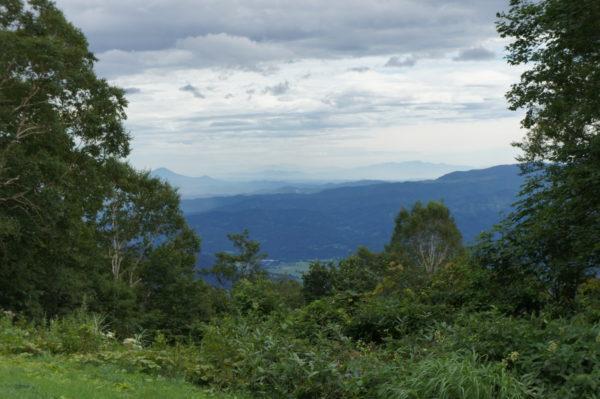 Blick auf die Bergwelt von Niigata