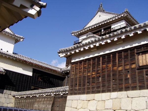 Innerhalb der Burganlage von Matsuyama