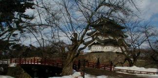Einst ein Yagura, jetzt ein Donjon: Hirosaki-jō