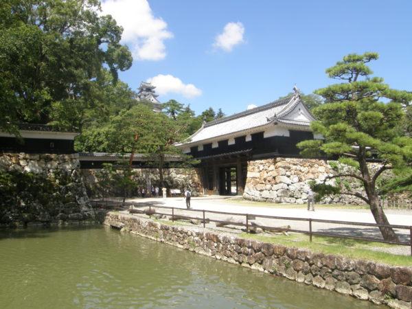 Das Ōtemon (Eingangstor) des Kōchi-jō, der Burg von Kochi