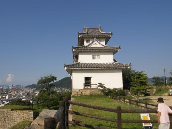 Der Mini-Donjon der Burg