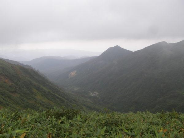 Auf halber Strecke zwischen Schrein und Gassan-Gipfel