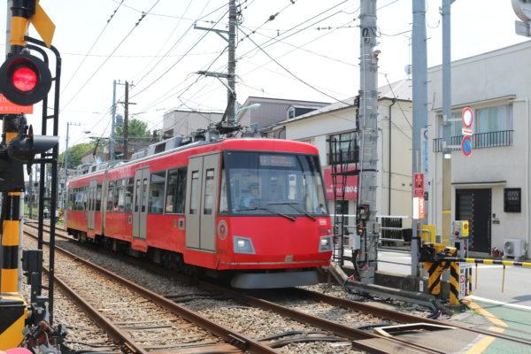 Die strassenbahnähnliche Setagaya-Linie durchquert den Bezirk von Nord nach Süd