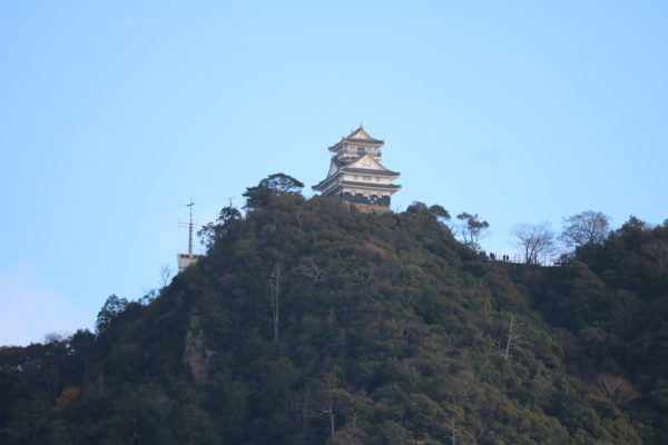Die Burg Gifu auf dem Kinkazan