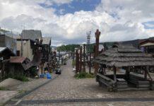 Im Ainu-Viertel des Ortes Akan am gleichnamigen See