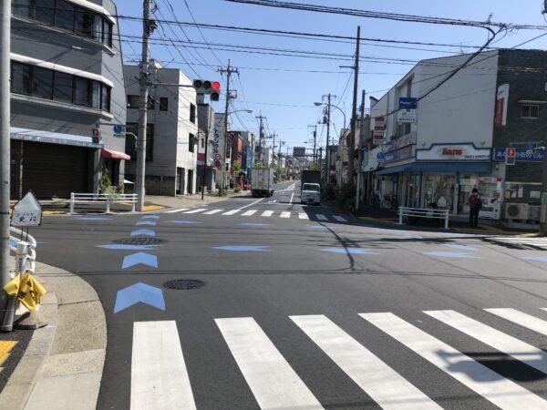 Blaue Streifen für Radfahrer in Tokyo