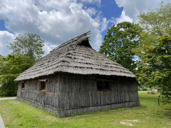 cise - traditionelles Wohnhaus der Ainu in Nibutani